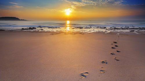 海滩日出风光