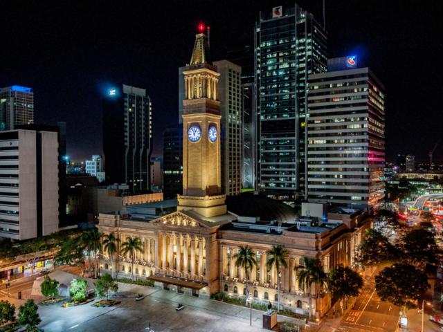 <澳大利亚布里斯班Brisbane接送机 布里斯班国际机场至市区接送机>一价全包 中文司导 多种车型可选 免费等待90分钟