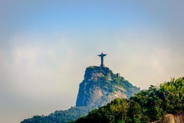 <【一人成团】巴西里约市区观光一日游 英文>里约集散,耶稣山,糖面包山,桑巴大道,马拉卡纳体育场,天梯教堂