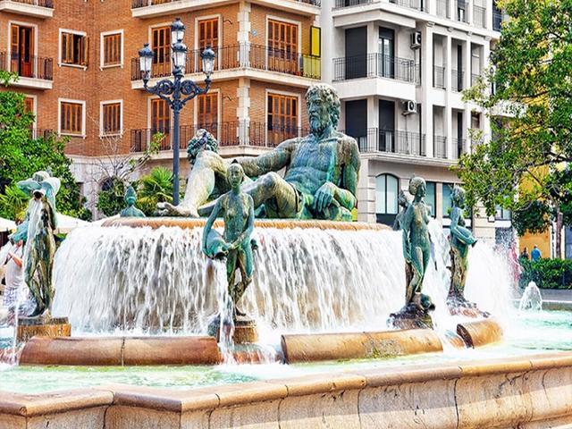 <西班牙葡萄牙6晚7日循环游>1人即可报名免费拼房、马德里、里斯本、西班牙大皇宫、杜丽多古城、大石角(当地游)