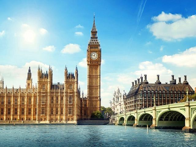 <英國深度4晚5日循環游>倫敦集散、鐵定發團、劍橋大學城、愛丁堡、比斯特購物村、英倫風情(當地游)