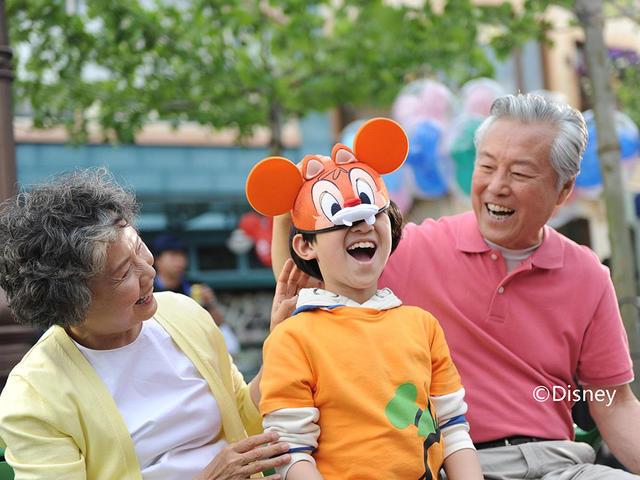<上海迪士尼樂園純玩1日游>天天發班,含迪士尼成人門票,贈定點班車接