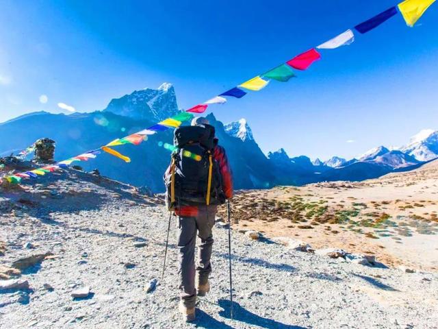 <尼泊爾EBC珠穆朗瑪峰+洛子峰+馬卡魯峰徒步之旅14日游>世界徒步線路,專業徒步團隊,雪山徒步觀看多座高峰,直升機救援