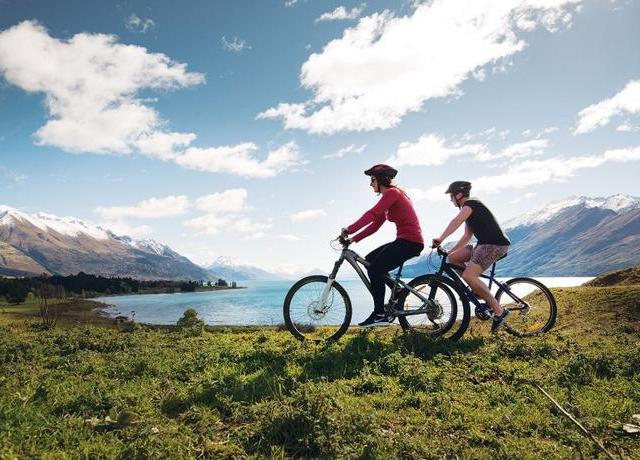 <新西蘭 皇后鎮牧場湖景自行車騎行半日游(觀光船去TSS蒸汽船回 BBQ午餐/野餐可選)>