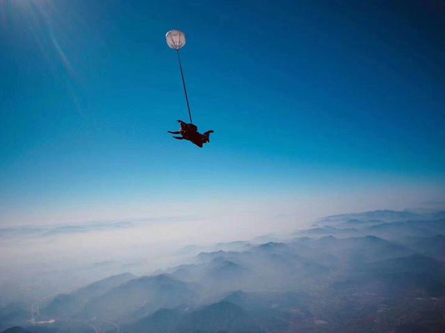 <【国内跳伞】海南海口跳伞极限运动之旅·勇敢者的游戏>【单团操作·差异化定制·专业的教练·完善的设备·系统的培训】