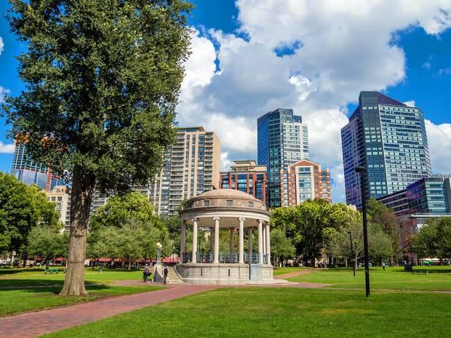 <【波士顿往返 • 美东精华团】7日游>纽约+费城+华盛顿+尼亚加拉大瀑布+波士顿:入住纽瓦克中心区域酒店+纵享欢乐购物(当地参团)
