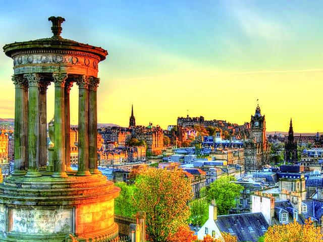 <法國+英國11日10晚歐來歐去純玩團>凡爾賽宮+盧浮宮+巴黎+愛丁堡城堡+湖區國家公園+曼徹斯特+彼得兔博物館+比斯特購物村(當地參團)