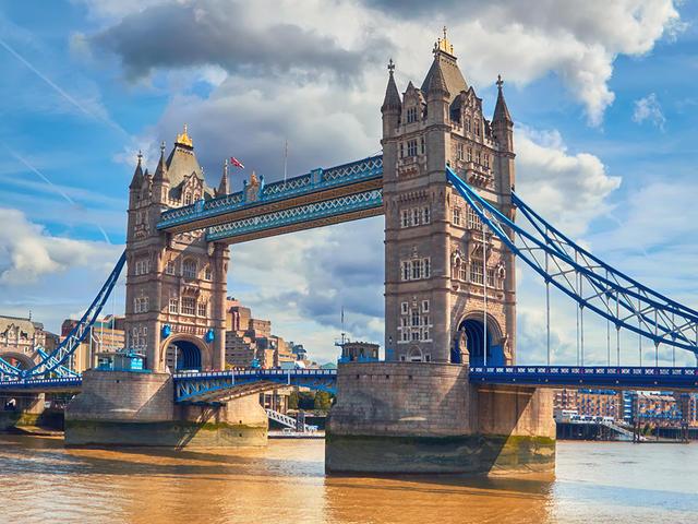 <比利時+法國+英國+瑞士+德國+荷蘭15日14晚歐來歐去純玩團>巴黎+劍橋牛津+倫敦深度+愛丁堡+科隆大教堂+約克+鐵力士雪山+萊茵河瀑布+比斯特購物村+風車村(當地參團)