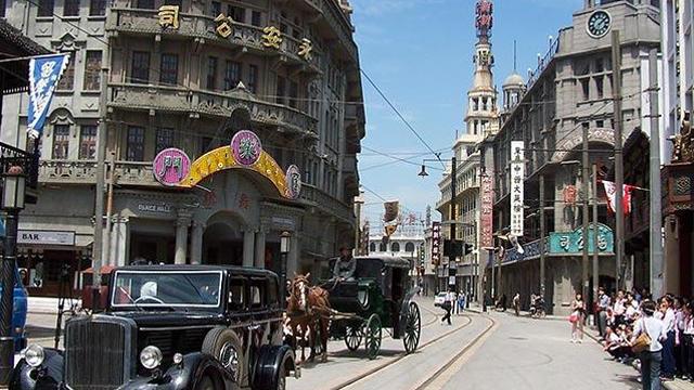 <上海影视乐园门票成人票>真实艺术地展现上海的历史风貌和人文景观,看19世纪的老上海